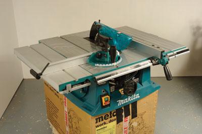makita 2708. the makita mlt100 table saw in use 2708